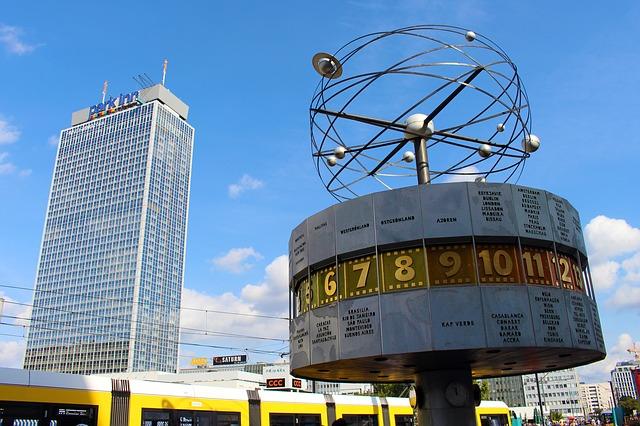 Alexanderplatz Berlino Germania