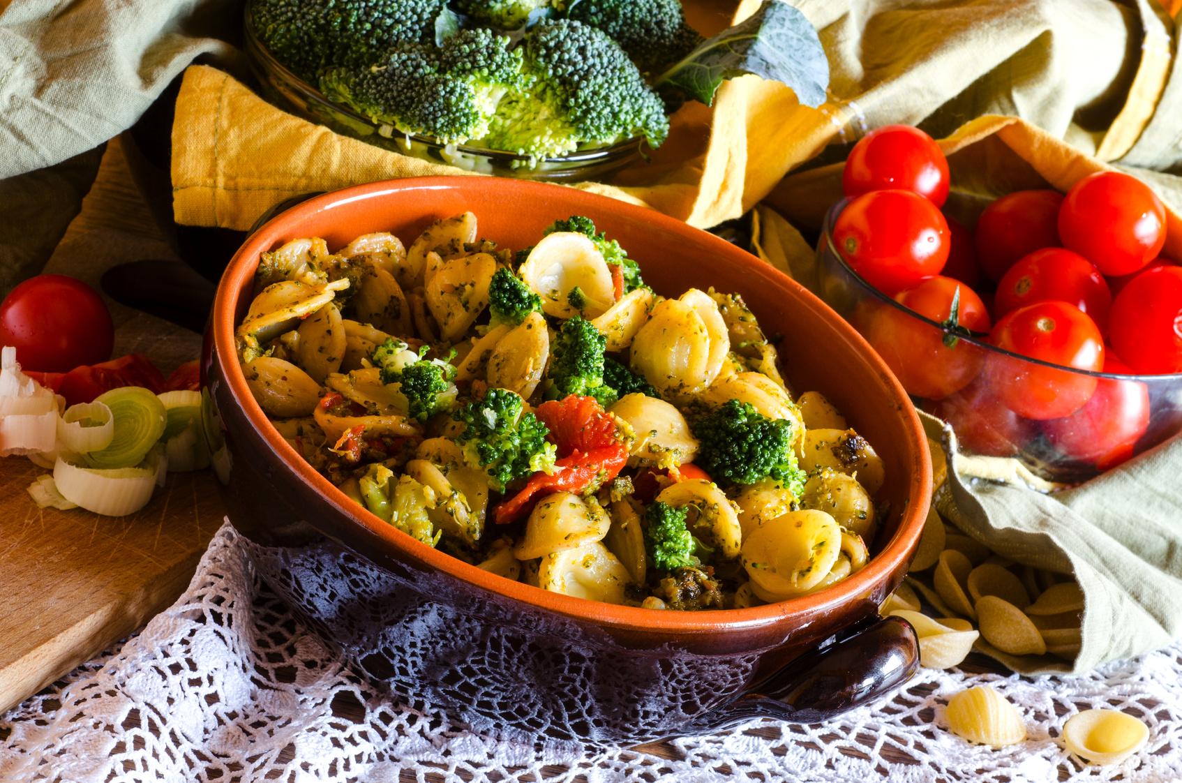 Italian pasta, orecchiette e broccoli,
