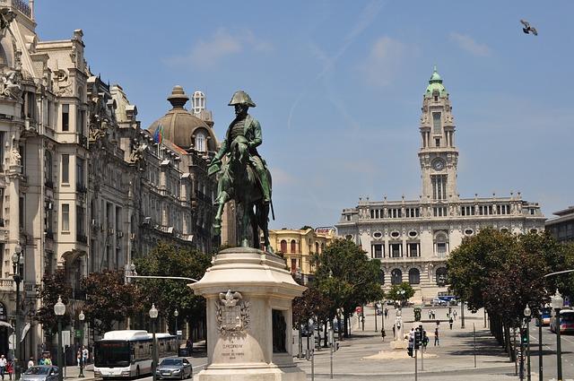 Piazza a Porto in Portogallo